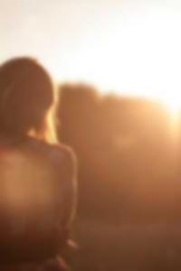 صور عارية من كيلي بيكلر